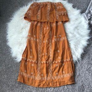 Embroidered strapless midi dress